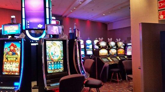 Casino Helsinki tarjoaa monipuolista viihdettä iltaan